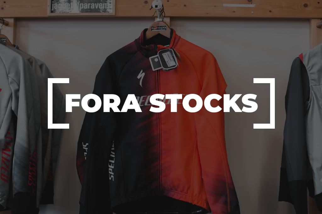 Fora Stocks Vestuario